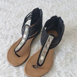 5/$25 | Daisy Fuentes Gladys Gladiator Sandal 7W